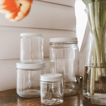 straight-sided-glass-jars-with-metal-lids