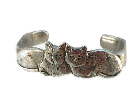 Tale of Twin Kitties bracelet