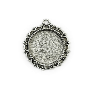 Ornate Pendant Circle - Antique Silver