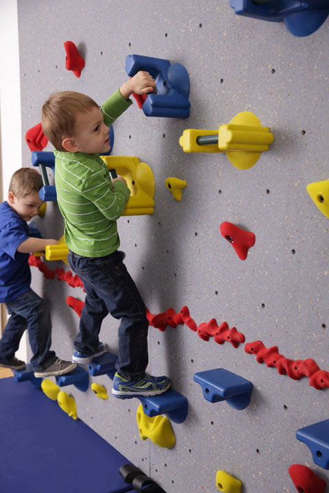 Everlast Climbing Brings Climbing to a Younger Generation