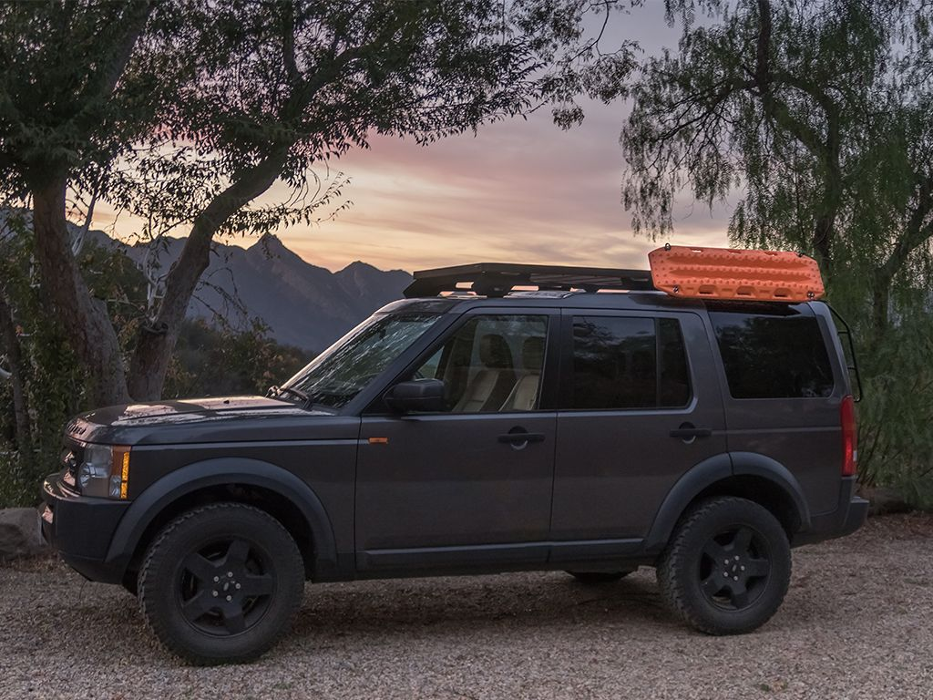 Front Runner Recovery Board + Gear Holding Side Brackets - Free Shipping on orders over $100 - Venture Overland Company