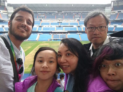 Family visiting Bernabeu with our guide