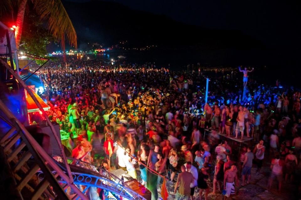 full moon party at Koh Phangan Photo by The Challenge Phanang