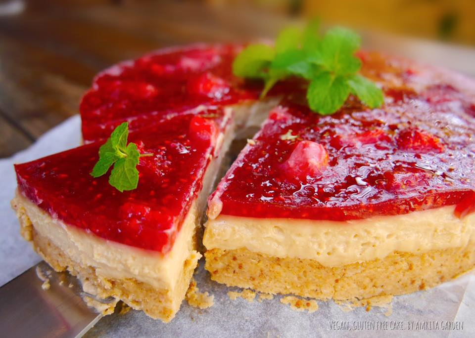 Strawberry cheesecake - all vegan, gluten free. From Amrita Garden in Chiang Mai, Thailand - Full Review on VomadLife.com