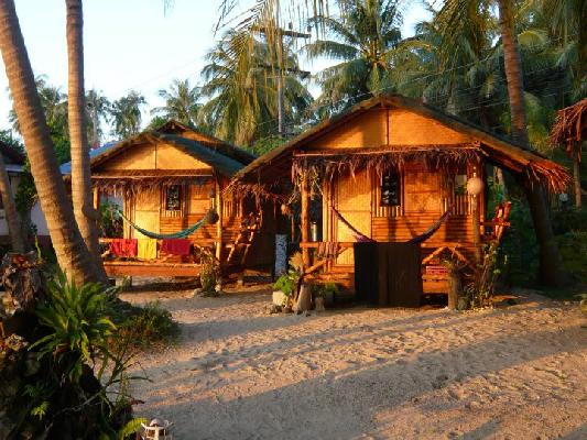 Small bungalows in Koh Phanang