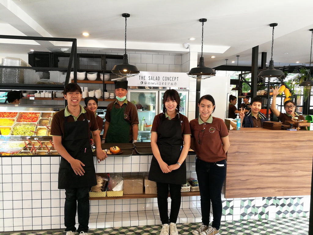 Friendy Staff @ the Salad Concept on Nimman in Chiang Mai, Thailand - Full Review on VomadLife.com