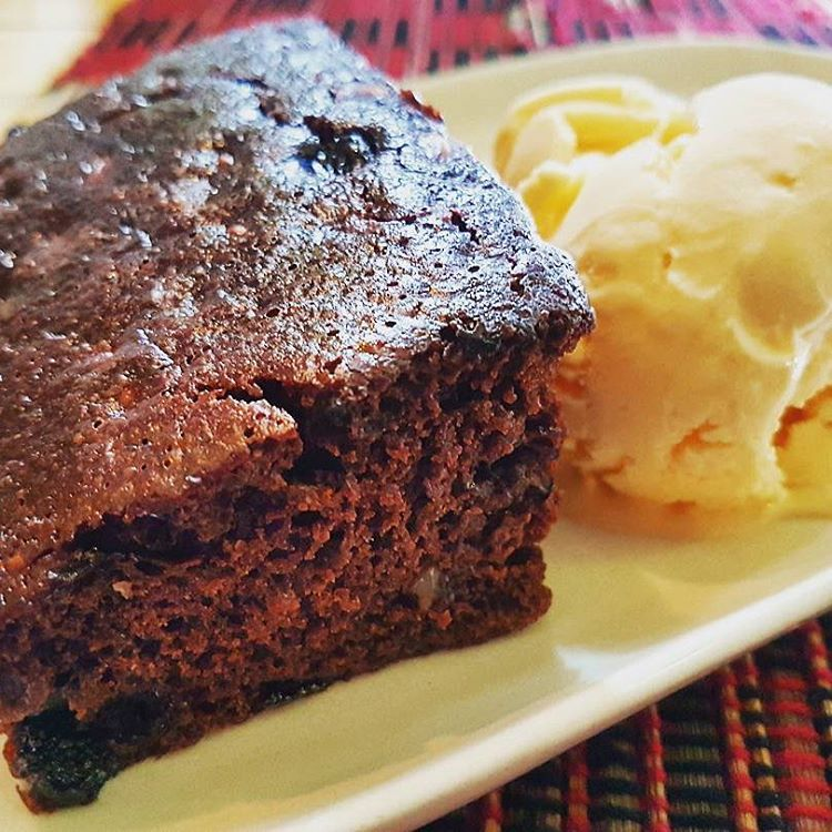 Vegan Heaven in Chiang Mai, Thailand has the best chocolate cake/brownie you'll ever eat - VomadLife.com