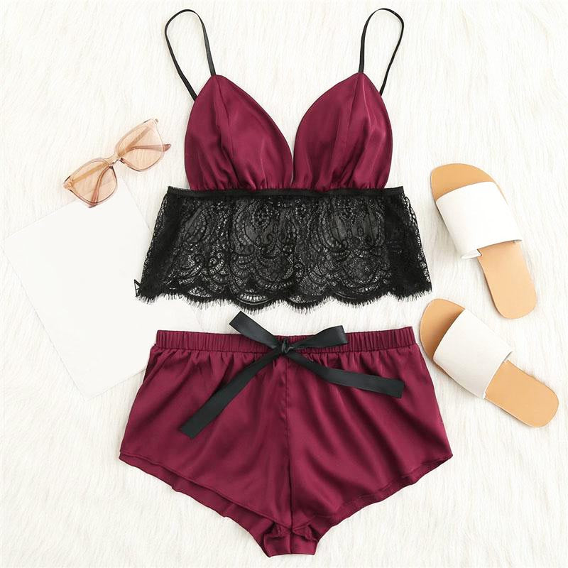 Sexy Contrast Lace Hem Satin Cami Top And Shorts Pajamas Set - FEUZY
