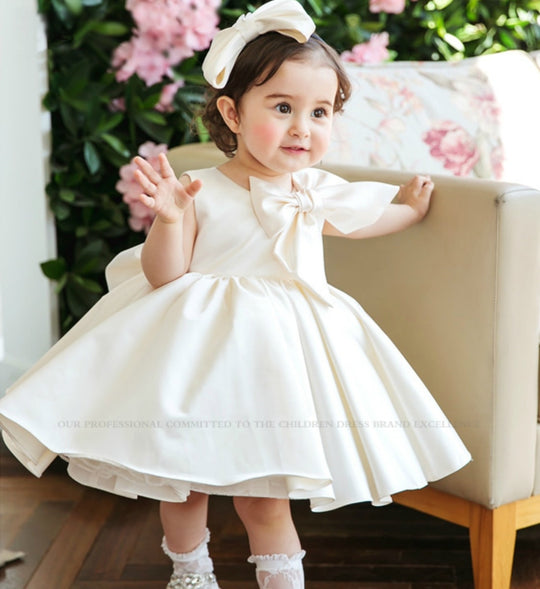 Girly Shop's Off White Cute Big Bow Shoulder Round Neckline Sleeveless Knee Length Big Bow Back Little Girl Ruffle Dress