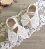Girly Shop's Ivory Big Bow Baby Booties
