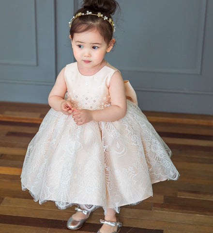 Girly's Flower girl dresses, Bridesmaid dresses, Baby girl birthday dresses, Christmas dress, Communion dress, Baby shoes, Baby headband.