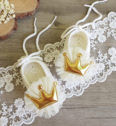 Girly Shop's Off White Cute & Comfortable Newborn Baby Pre walker Infant Hand Knitted Flower & Crown Baby Booties
