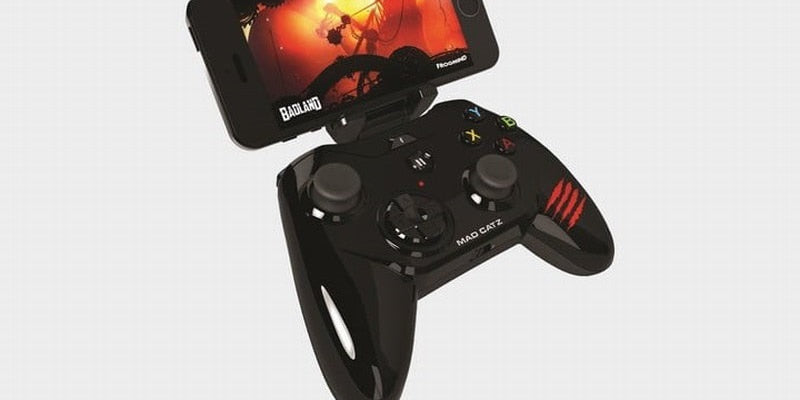 hot-iphone-accessories-christmas-Mad-Catz-Mobile-Gamepad