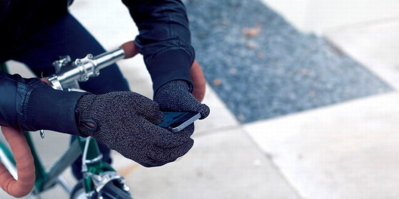 hot-iphone-accessories-christmas-Mujjo-Touchscreen-Gloves