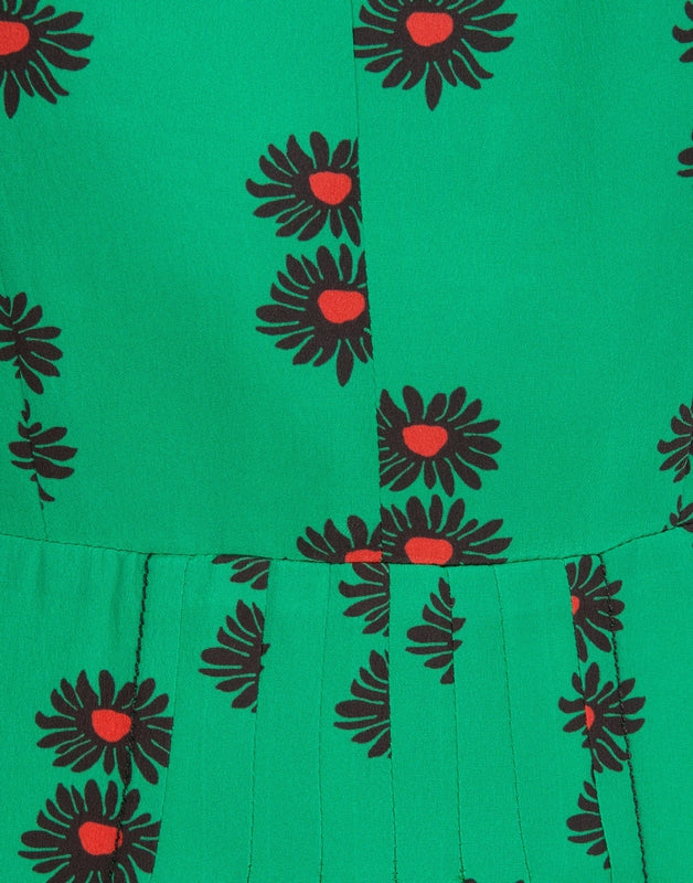 Close up of the front stitching and print of the La DoubleJ Bon Ton dress in Margherita Verde now available at Debs Boutique.