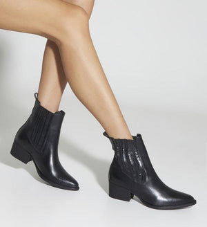 Bota Chelsea Boot New Minimal Black