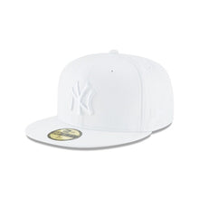 NEW ERA Men's New York Yankees Whiteout Basic 59Fifty Fitted Cap
