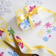 Load image into Gallery viewer, Snowflake Christmas gift wrap set