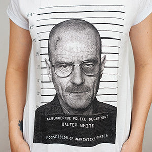 Camiseta Feminina Walter White Arrested - Breaking Bad - Loja Geek Blackat Store