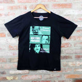 Camiseta Masculina Knows Something - Séries