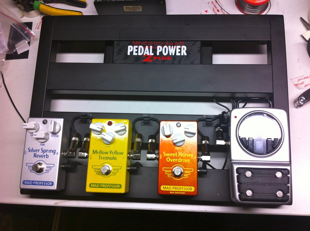 How do I choose the right power supply for my pedals