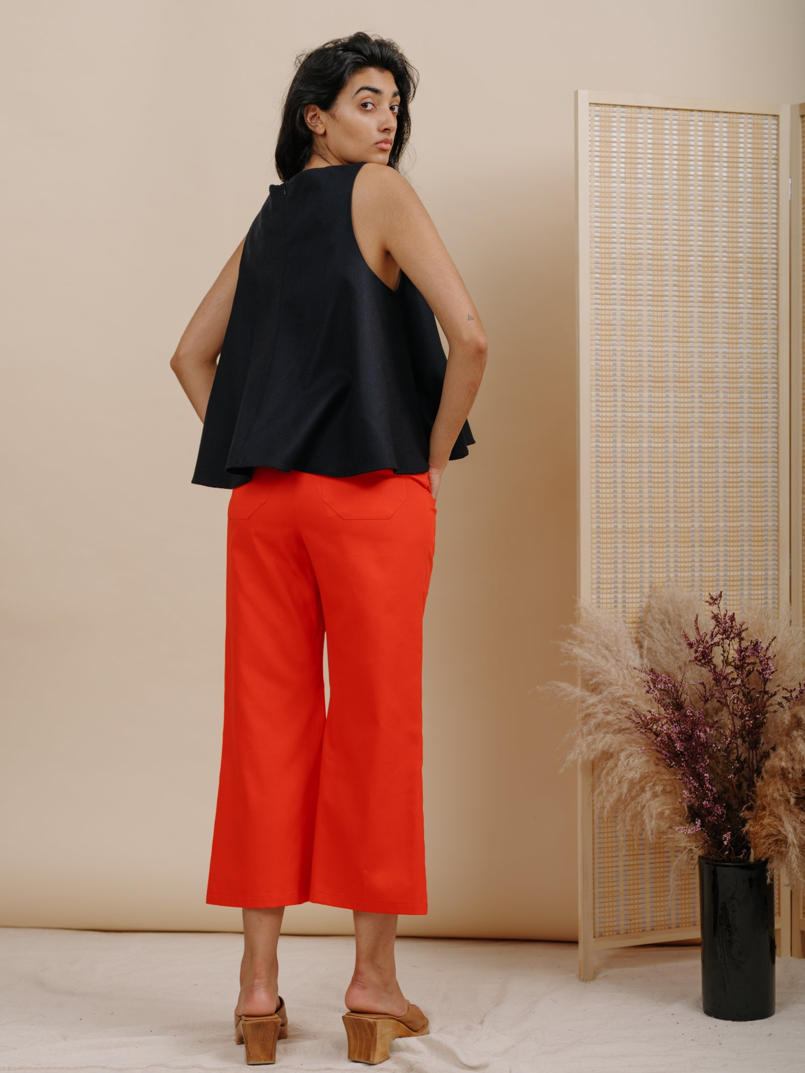 TRUMPET PANT IN RED COTTON