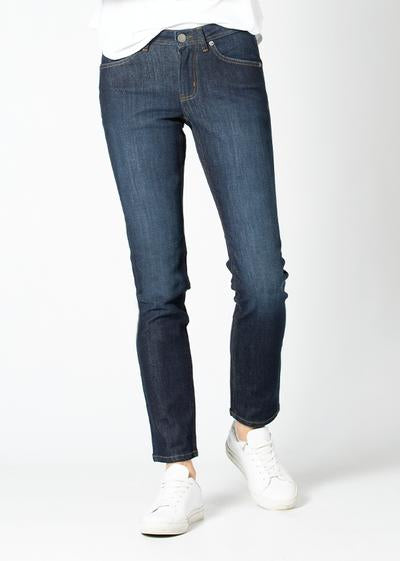 Women's Slim Straight Fit