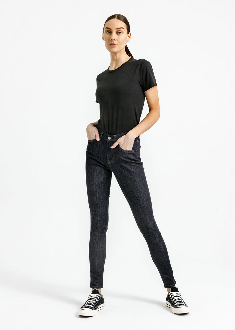 women's dark blue skinny fit mid rise stretch jeans full body