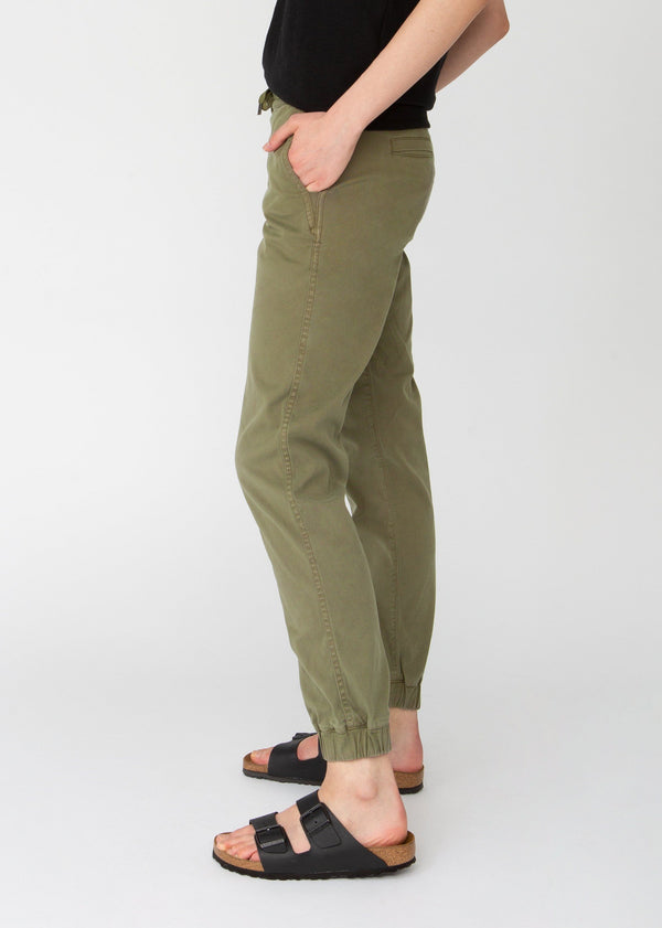 Woman wearing green Athletic Jogger side