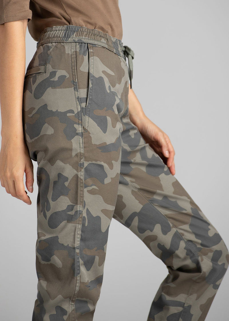 Woman wearing camo coloured Athletic Jogger side detail