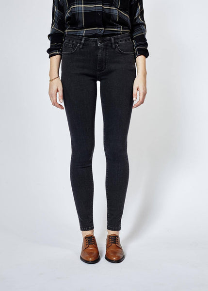 Performance Denim Skinny - Washed Black