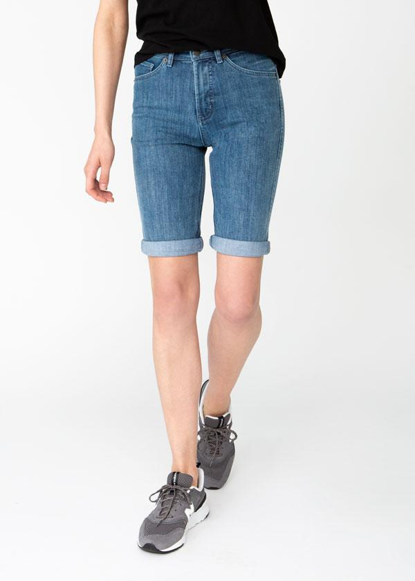 womens light blue denim commuter short front