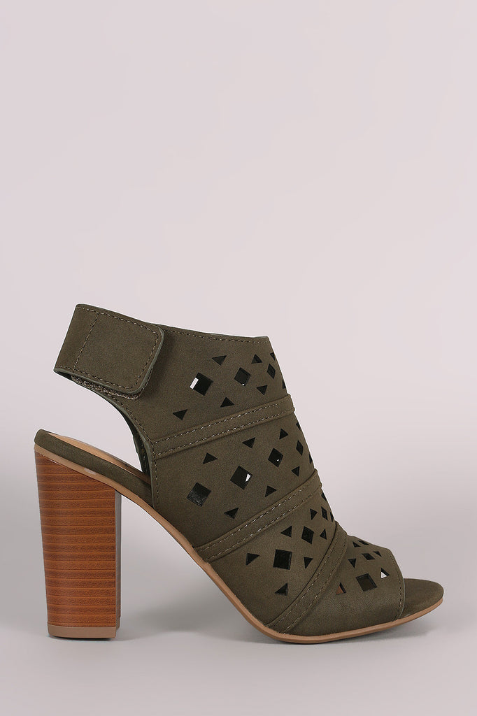 Delicious Geo Perforated Chunky Mule Heel - Kaneli Nomad Boutique