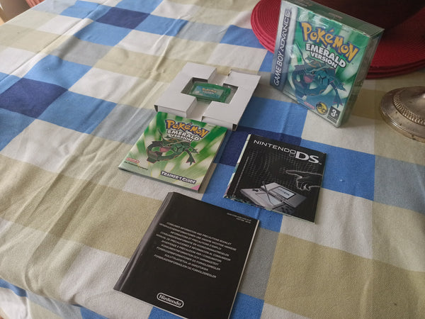 Genuine complete Pokemon Emerald GBA Gameboy Advance Working Boxed Nintendo Game