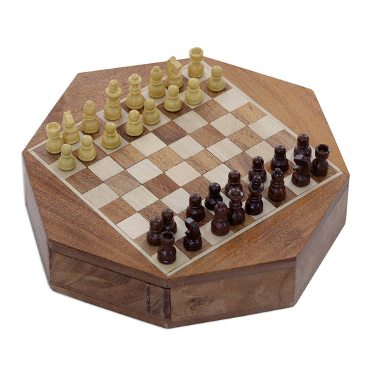 Octogonal Magnetic Wood Mini Chess Set