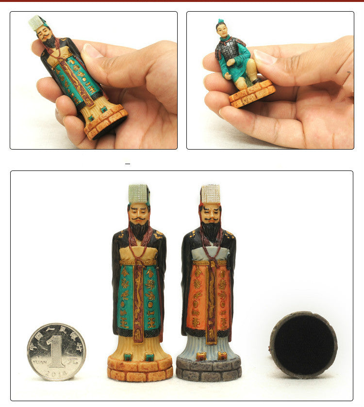 Qin And Han Dynasties Checkers and Chess Set with storage