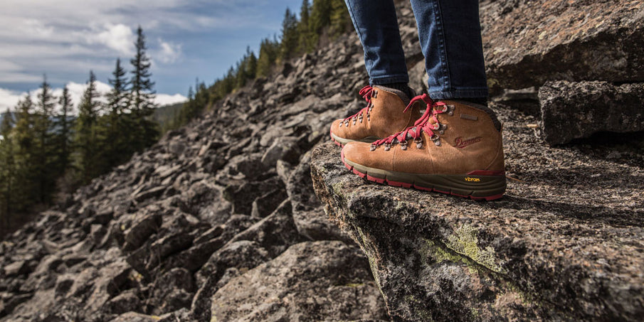 Hiking With Sole: Top Tips To Find The Best Hiking Footwear With Quality Soles