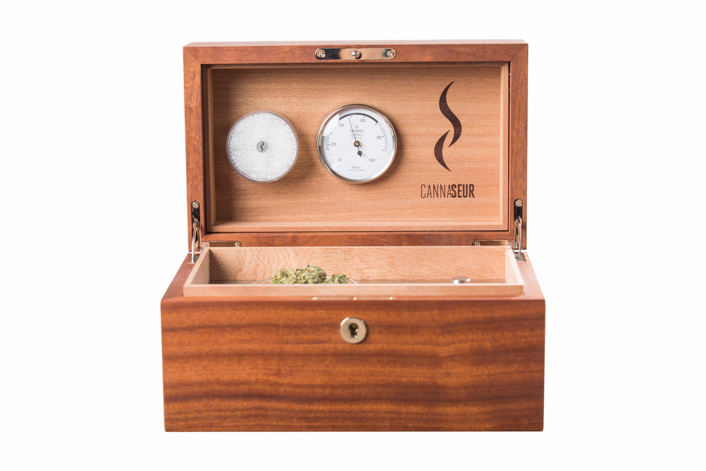 Cannaseur® One Mahogany Humidor with 1 Jar plus Accessory Storage and Lock - Cannaseur