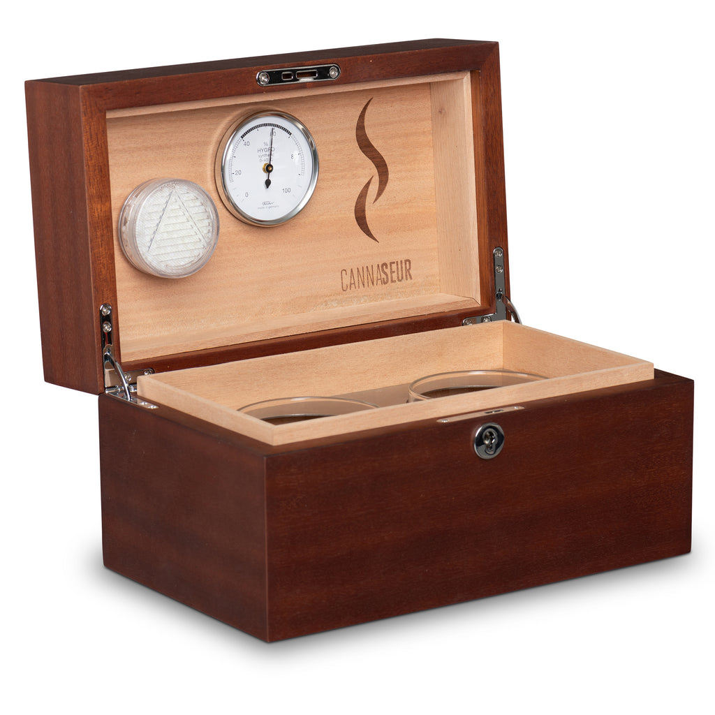 Cannaseur® One Limited Edition Sapele Humidor with 2 Jars and Lock - Cannaseur