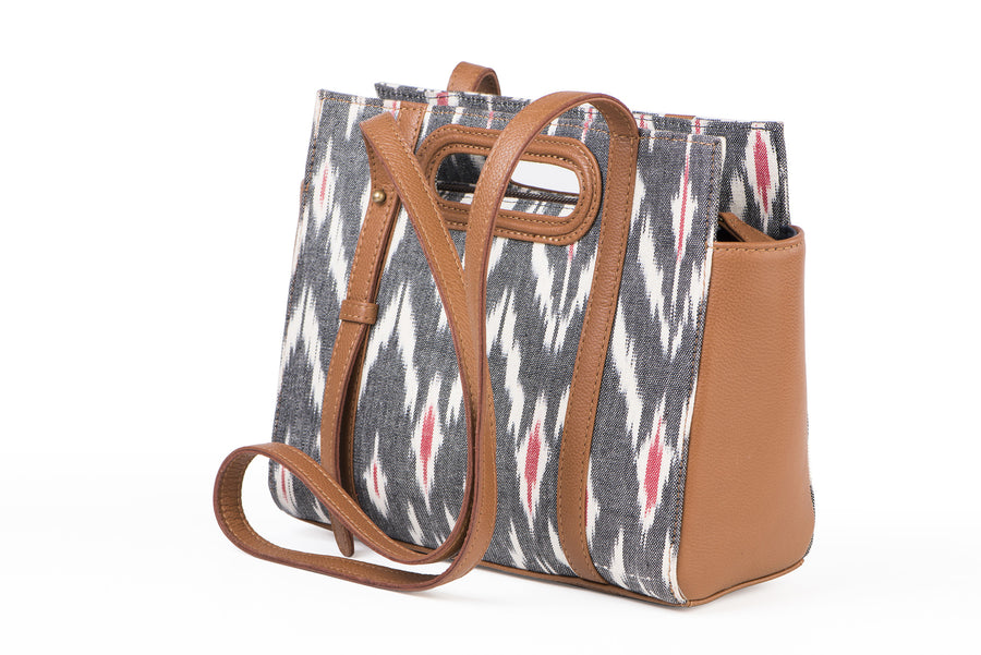 Shoulder sling: grey ikat