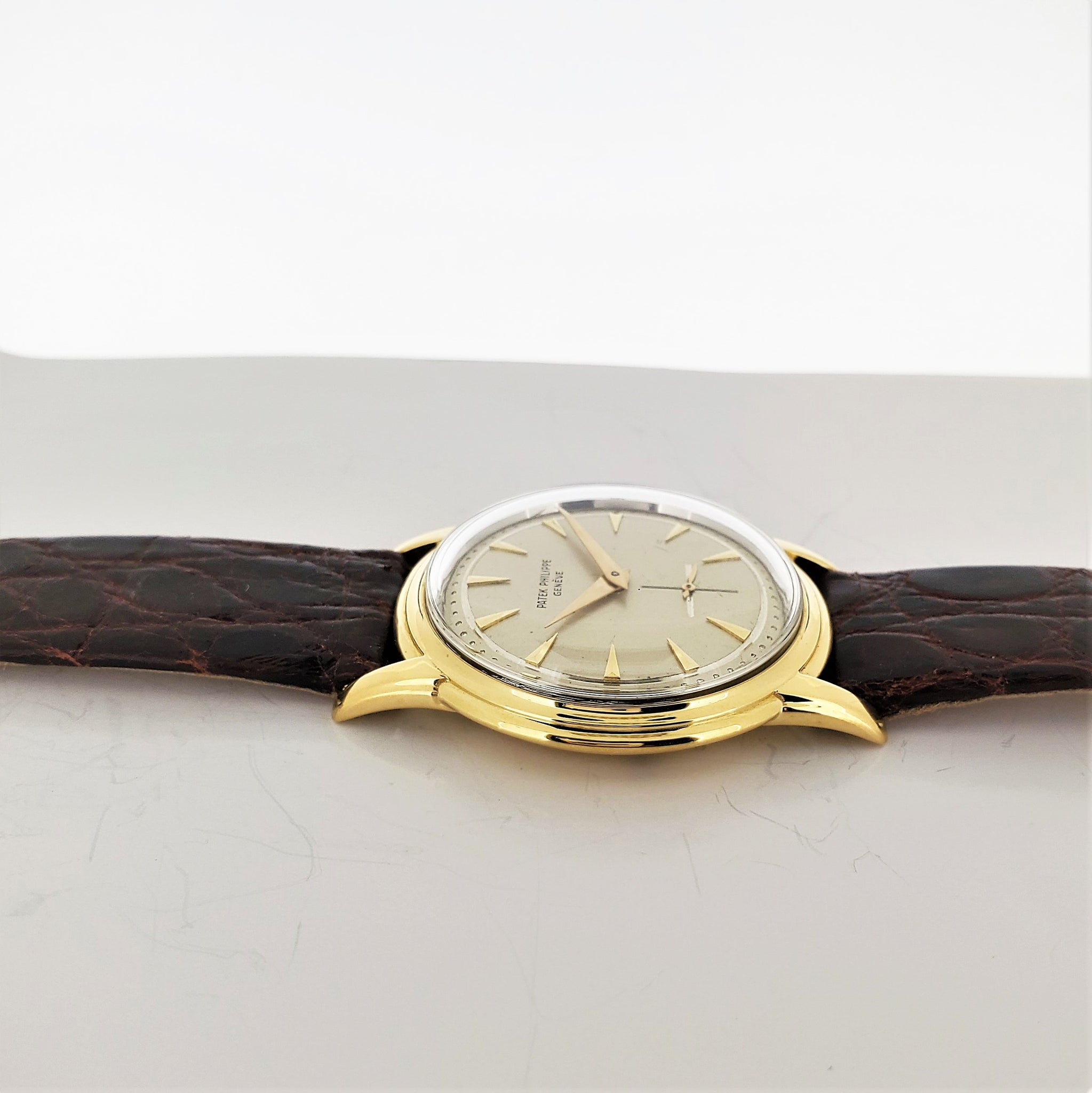 Patek Philippe 2525J Screw Down Back Calatrava Watch circa 1954