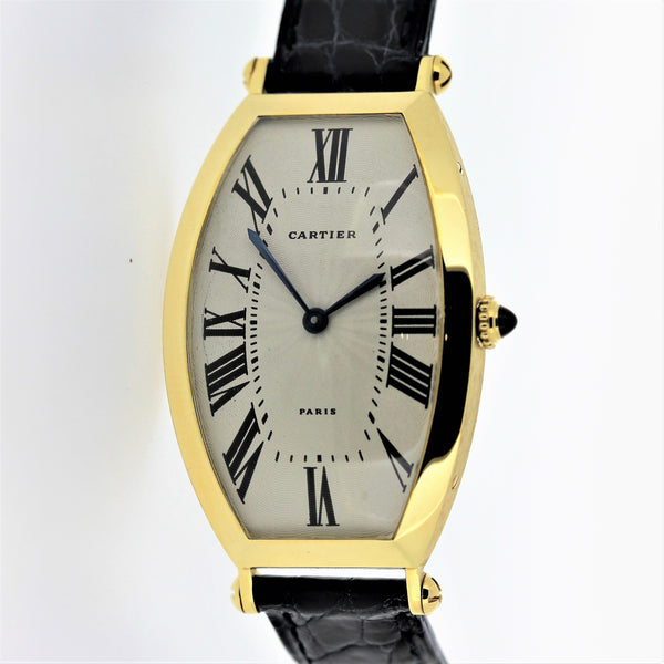 Vintage Cartier Paris Tonneau - Large Size - wristwatch, Circa 1975-1980 18 Karat Gold