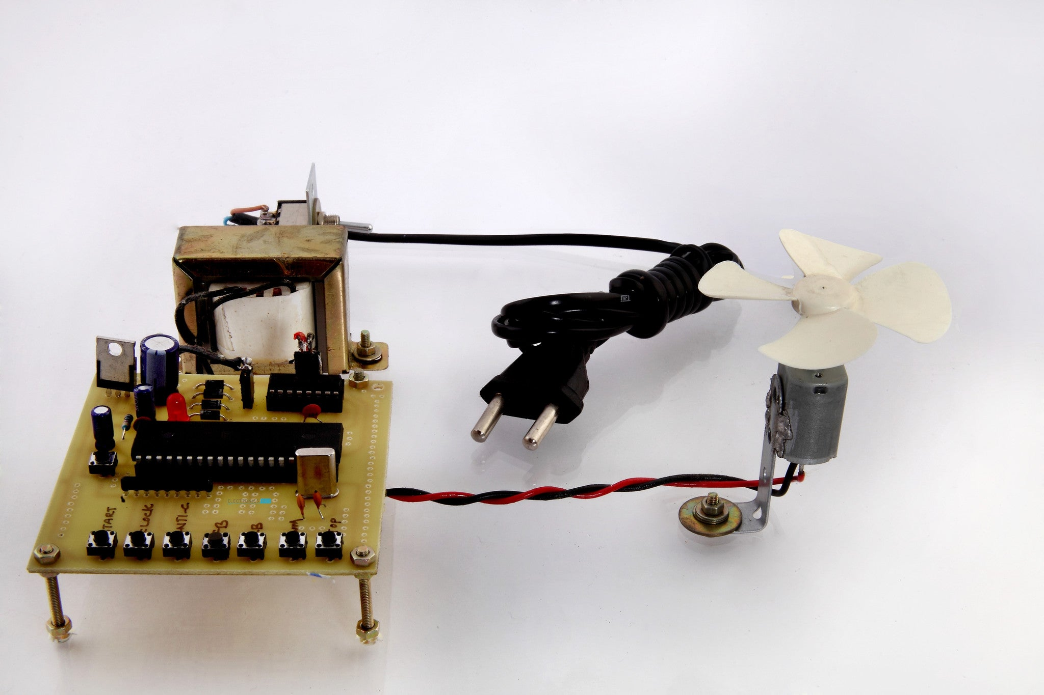 Four Quadrant DC Motor Speed Control with Microcontroller