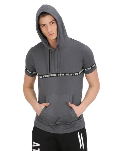 BLACK HOODED T-SHIRT SHORT SLEEVE BRANDING.