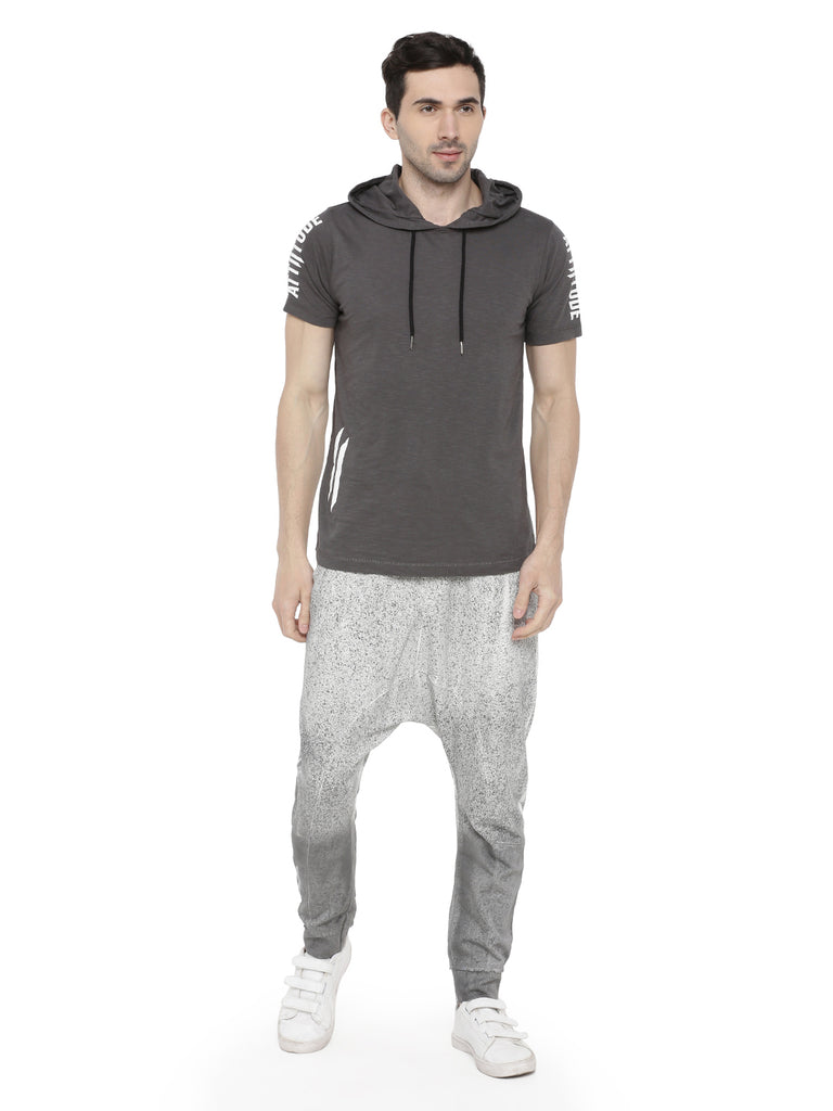 GREY HOODED T-SHIRT SHORT SLEEVE BRANDING.