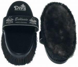 Haas Diva Exclusive Brush: Grooming Kit