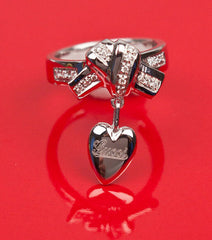 VINTAGE TOM FORD for GUCCI 18K WHITE GOLD HEART CHARM RING with DIAMONDS Size 8