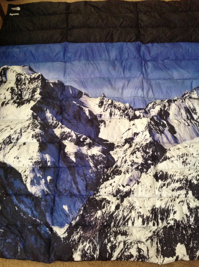 a56a52bc4 Supreme/The North Face Nuptse Down Blanket – ArrayOfSoles