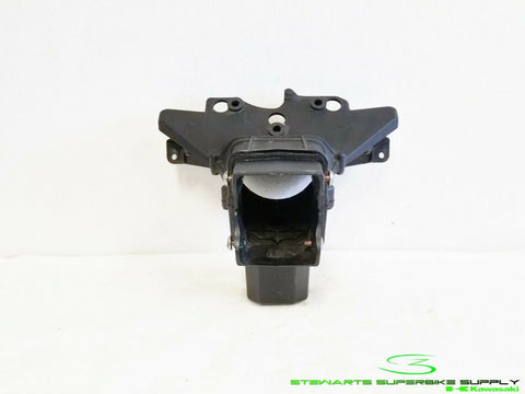 2009 - 2012 KAWASAKI NINJA ZX6R OEM FRONT RAM AIR DUCT FAIRING STAY BRACKET ZX6