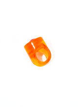 AMBER KISS RESIN RING